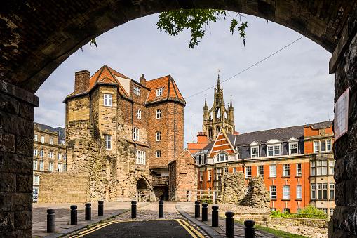 Cathedral「Newcastle Castle, the Black Gate」:スマホ壁紙(11)