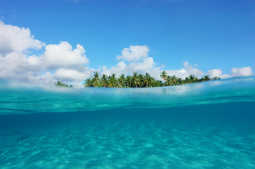 Water Surface「Tropical island, partial underwater view」:スマホ壁紙(11)