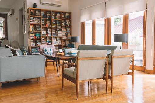 Tidy Room「cozy living room with wood material」:スマホ壁紙(3)