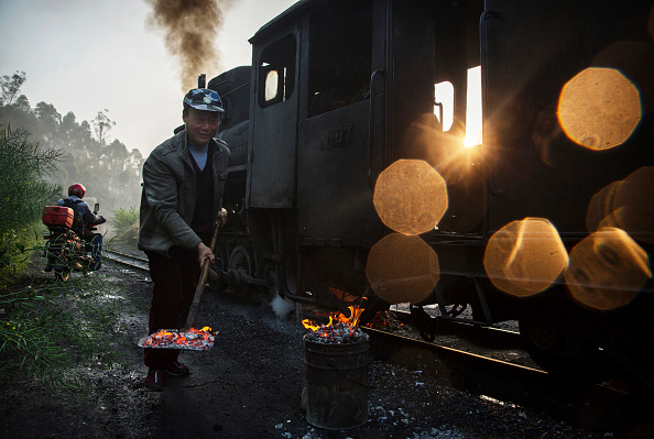 Economy「Steam Train Provides Link Between China's Past And Present」:写真・画像(10)[壁紙.com]