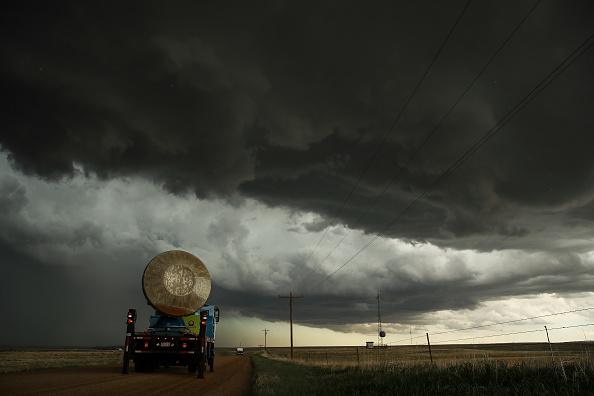 キャラクター「Center For Severe Weather Research Scientists Search For Tornadoes To Study」:写真・画像(14)[壁紙.com]