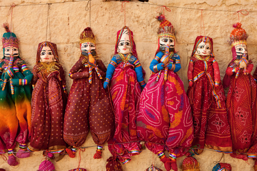 Rajasthan「Colorful Indian puppets for sale」:スマホ壁紙(13)