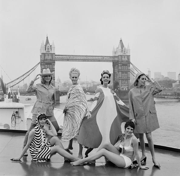 Maxi Dress「Finnish Fashion, 1960s」:写真・画像(2)[壁紙.com]