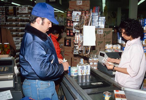 Paying「Food Stamps」:写真・画像(14)[壁紙.com]