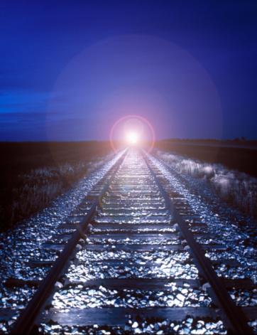 Passenger「Train coming down railway track」:スマホ壁紙(16)