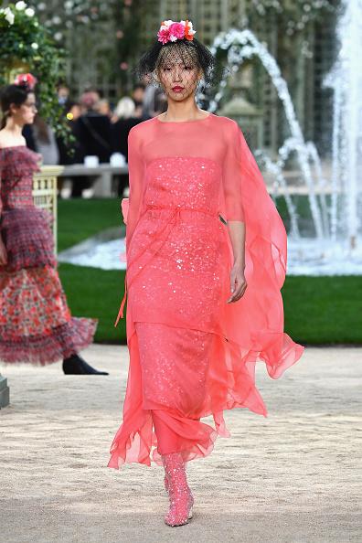 Paris Haute Couture Fashion Week「Chanel : Runway - Paris Fashion Week - Haute Couture Spring Summer 2018」:写真・画像(18)[壁紙.com]