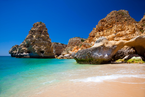 Hell「A gorgeous view of the water in Praia da Marinha」:スマホ壁紙(12)