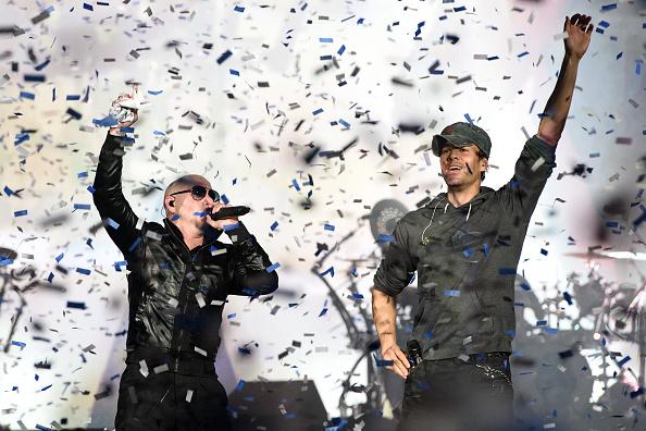 Enrique Iglesias - Singer「Enrique Iglesias & Pitbull In Concert - Rosemont, Illinois」:写真・画像(10)[壁紙.com]