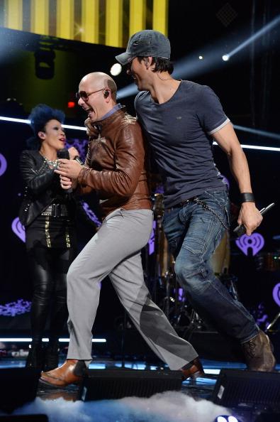 Enrique Iglesias - Singer「Z100's Jingle Ball 2013 Presented by Aeropostale - Show」:写真・画像(8)[壁紙.com]