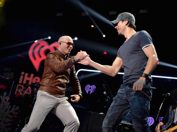 Enrique Iglesias - Singer「Z100's Jingle Ball 2013 Presented by Aeropostale - Show」:写真・画像(16)[壁紙.com]