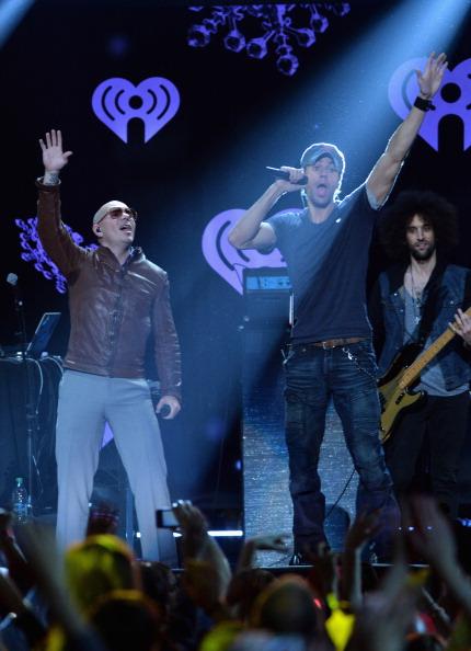 Enrique Iglesias - Singer「Z100's Jingle Ball 2013 Presented by Aeropostale - Show」:写真・画像(11)[壁紙.com]