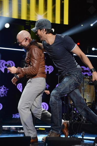Enrique Iglesias - Singer「Z100's Jingle Ball 2013 Presented by Aeropostale - Show」:写真・画像(9)[壁紙.com]