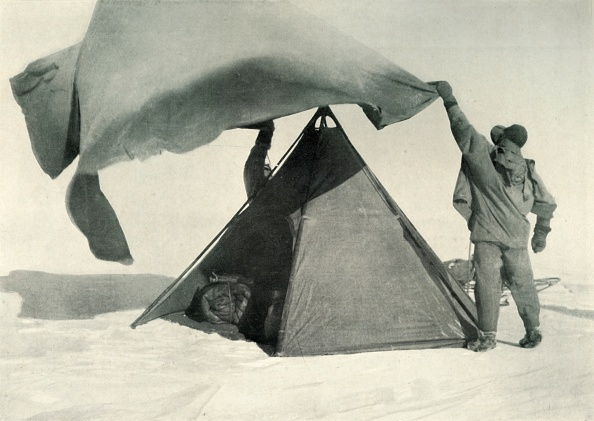 Ski Pole「Pitching The Double Tent On The Summit」:写真・画像(18)[壁紙.com]