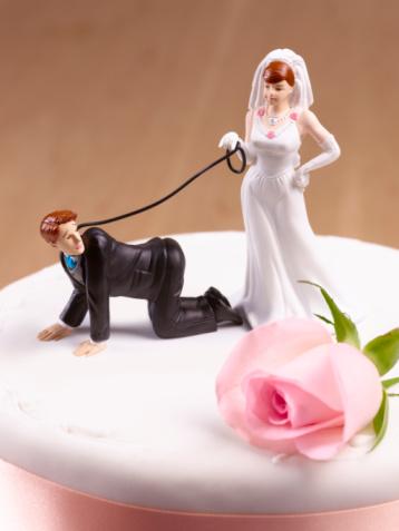 Married「Domineering Bride with Groom on leash.」:スマホ壁紙(11)
