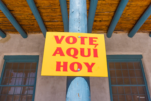 "Polling Place「Sign saying ""Vote Here Today"" in New Mexico」:スマホ壁紙(19)"