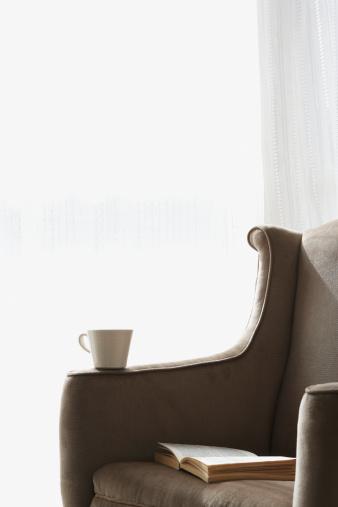 トウヒ「空の椅子にご予約、マグに腕にオープン」:スマホ壁紙(10)