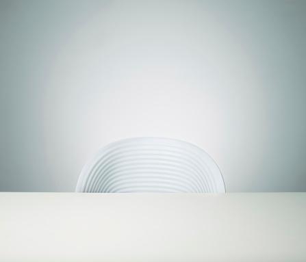 Composition「Empty chair」:スマホ壁紙(7)