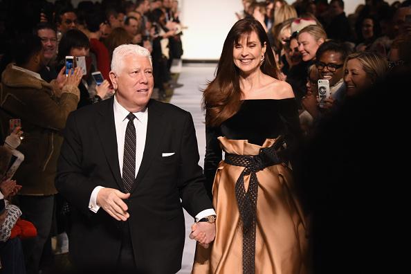 ミッドタウンマンハッタン「Dennis Basso - Runway - February 2019 - New York Fashion Week」:写真・画像(5)[壁紙.com]