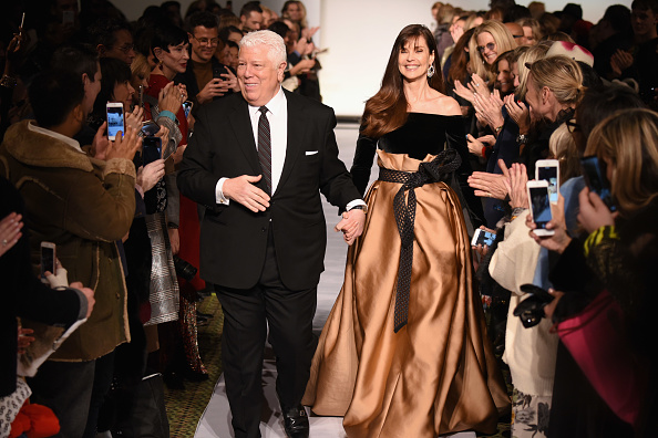 ミッドタウンマンハッタン「Dennis Basso - Runway - February 2019 - New York Fashion Week」:写真・画像(18)[壁紙.com]