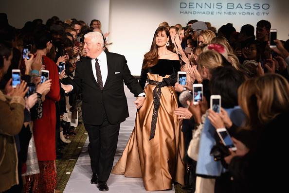 ミッドタウンマンハッタン「Dennis Basso - Runway - February 2019 - New York Fashion Week」:写真・画像(6)[壁紙.com]
