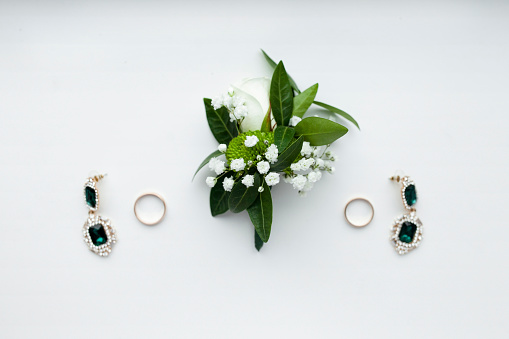 Earring「Corsage, earrings and wedding rings」:スマホ壁紙(12)