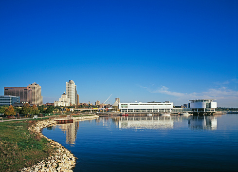 Great Lakes「Discovery World Museum at Pier Wisconsin」:スマホ壁紙(1)