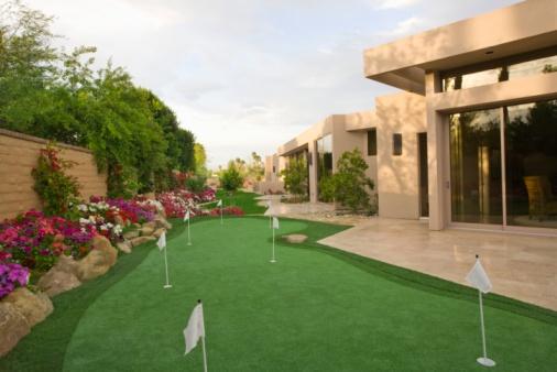 Sports Flag「Mini golf course in Palm Springs garden」:スマホ壁紙(6)