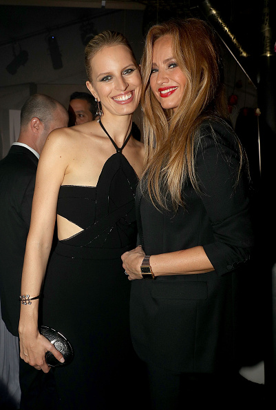 アドリアナ カランブー「The Harmonist Cocktail Party - The 69th Annual Cannes Film Festival」:写真・画像(3)[壁紙.com]