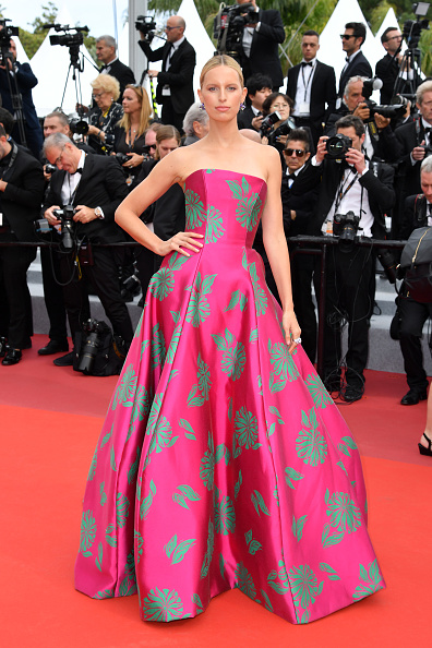 "Karolina Kurkova「""Once Upon A Time In Hollywood"" Red Carpet - The 72nd Annual Cannes Film Festival」:写真・画像(1)[壁紙.com]"