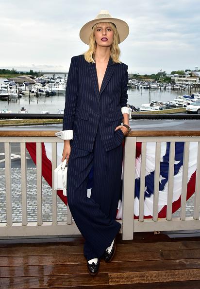 Karolina Kurkova「Hamptons Magazine Celebrates with Cover Star Karolina Kurkova」:写真・画像(12)[壁紙.com]