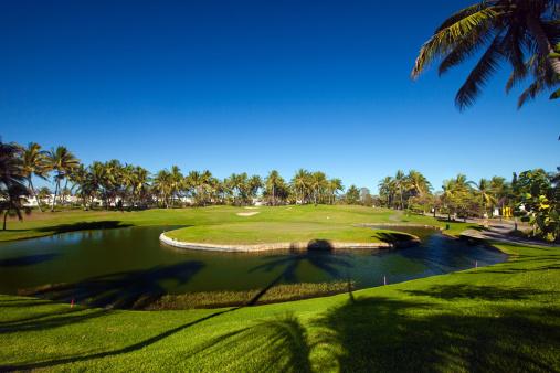 Sand Trap「luxury golf course」:スマホ壁紙(1)