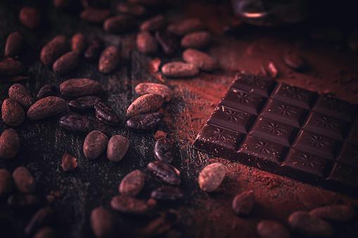 セレクティブフォーカス「自家製の良い品質チョコレート バーを準備します。」:スマホ壁紙(18)