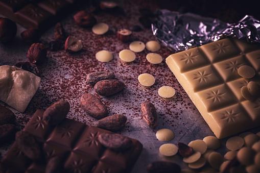セレクティブフォーカス「自家製の良い品質チョコレート バーを準備します。」:スマホ壁紙(12)
