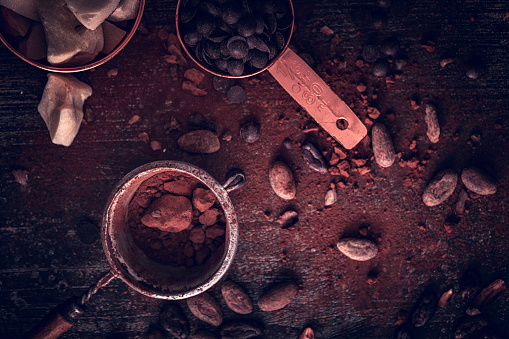 セレクティブフォーカス「自家製の良い品質チョコレート バーを準備します。」:スマホ壁紙(11)