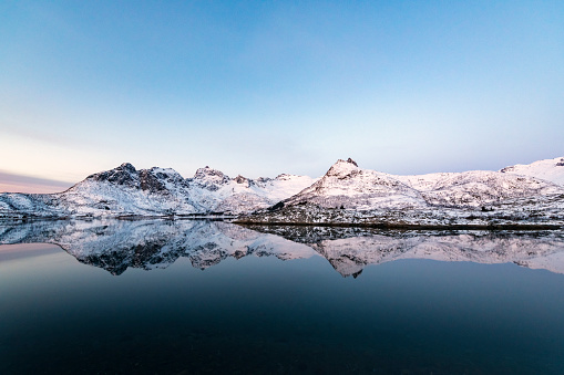 Fjord「Sunrise over a Fjord in the Lofoten during a cold winter morning」:スマホ壁紙(9)