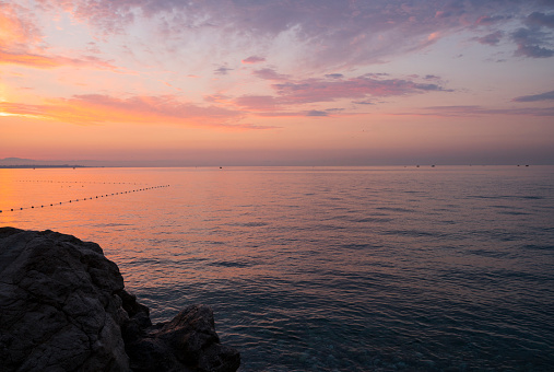 ピンク色「Sunrise Over Mediterranean Sea, Antalya」:スマホ壁紙(6)