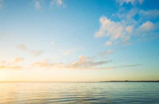 Horizon「Sunrise over sea」:スマホ壁紙(6)