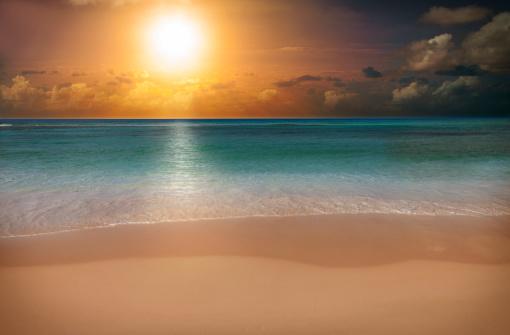 Miami Beach「sunrise over a beach」:スマホ壁紙(2)
