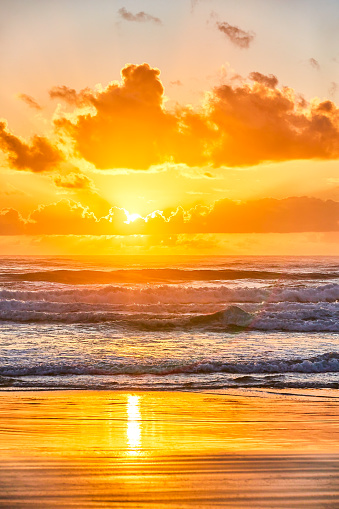Gold「Sunrise over the beach at Inskip Point,Great Sandy national park,Queensland,Australia」:スマホ壁紙(17)