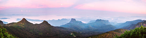 Sunrise over Adam's peak, Sri Lanka:スマホ壁紙(壁紙.com)