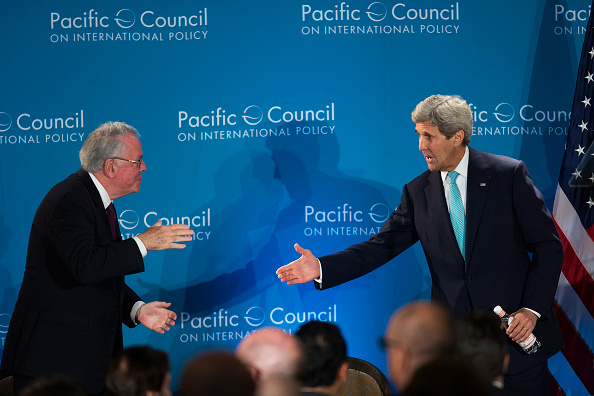 David McNew「Secretary Of State John Kerry Speaks At Pacific Council In Los Angeles」:写真・画像(4)[壁紙.com]