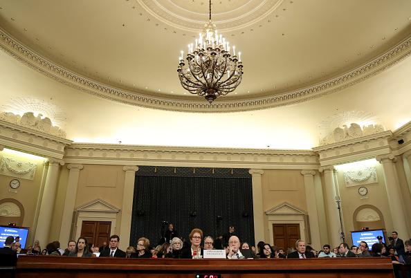 Drew Angerer「Former U.S. Ambassador To Ukraine Marie Yovanovitch Testifies At Impeachment Hearing」:写真・画像(6)[壁紙.com]