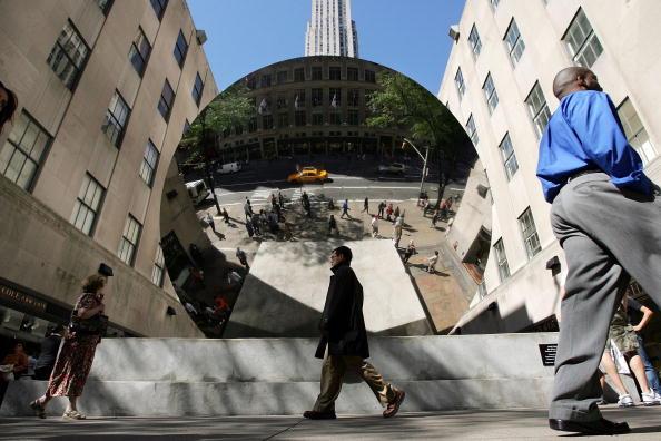 "Art Product「""Sky Mirror"" Sculpture Reflects Bustling Rockefeller Center」:写真・画像(13)[壁紙.com]"
