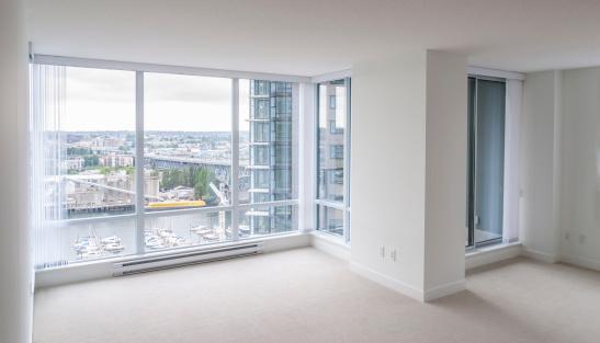Corner「Empty living room, new condo apartment」:スマホ壁紙(4)