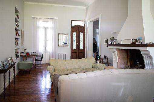 Buenos Aires「Empty living room at nursing home」:スマホ壁紙(1)