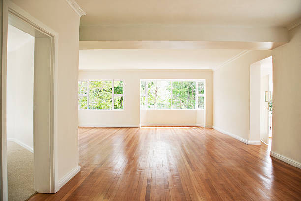 Empty living room with white walls:スマホ壁紙(壁紙.com)