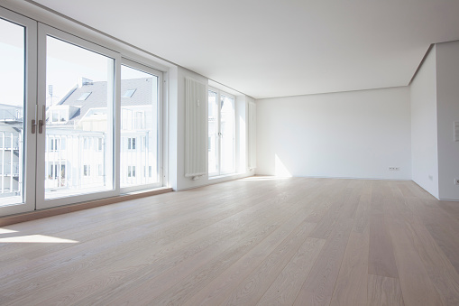人物なし「Empty living room in modern apartment」:スマホ壁紙(17)