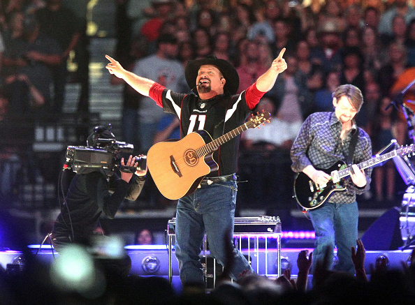 Stadium「Garth Brooks In Concert - Glendale, Arizona」:写真・画像(17)[壁紙.com]