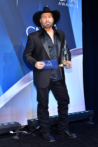 Performer「The 51st Annual CMA Awards - Press Room」:写真・画像(15)[壁紙.com]