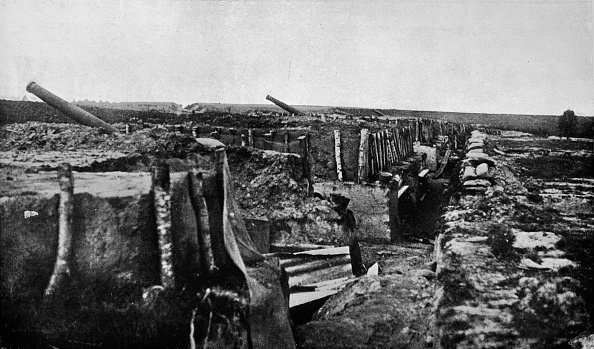 Copy Space「Abandoned British Trenches And Guns At Maubeuge 1914」:写真・画像(18)[壁紙.com]